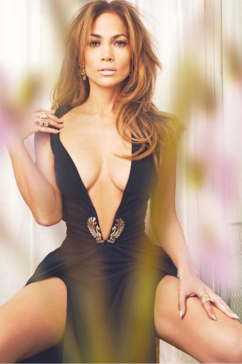 J.Lo cũng khẳng định rằng, cô rất tự tin ở độ tuổi của mình: Tôi nhớ 2 năm trước, trên một tạp chí đăng loạt ảnh các diễn viên ngoài 40 tuổi bởi họ đều có những bộ phim bom tấn ra mắt. Đó là tôi, Halle Berry, Sandra Bullock, Julia Roberts, và Jennifer Aniston. Đó là khoảnh khắc quyết định. Thế giới này đã thay đổi. Phụ nữ có thể duy trì phong độ của họ. Chúng ta đang sống trong một thời đại khác.