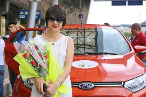 MC Diễm Quỳnh ngại đồng chí Lê Hoàng - Ảnh 5.