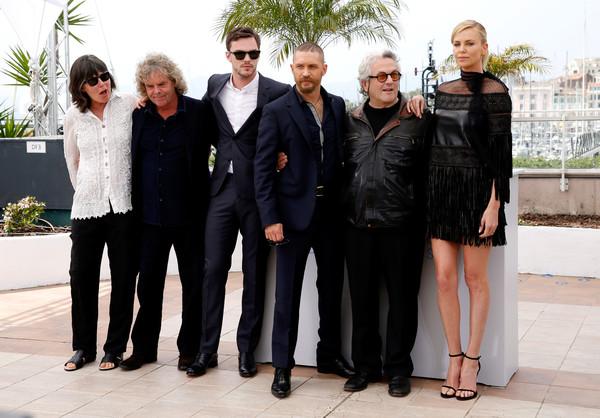 Đoàn làm phim Mad Max: Fury Road gồm: Doug Mitchell, Nicholas Hoult, Tom Hardy, George Miller và Charlize Theron