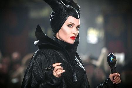 """""""Maleficent"""" (Tiên hắc ám) thành công nhờ một phần công lớn của Angelina Jolie."""