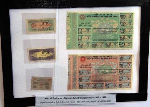 Một số loại tem phiếu để mua hàng.