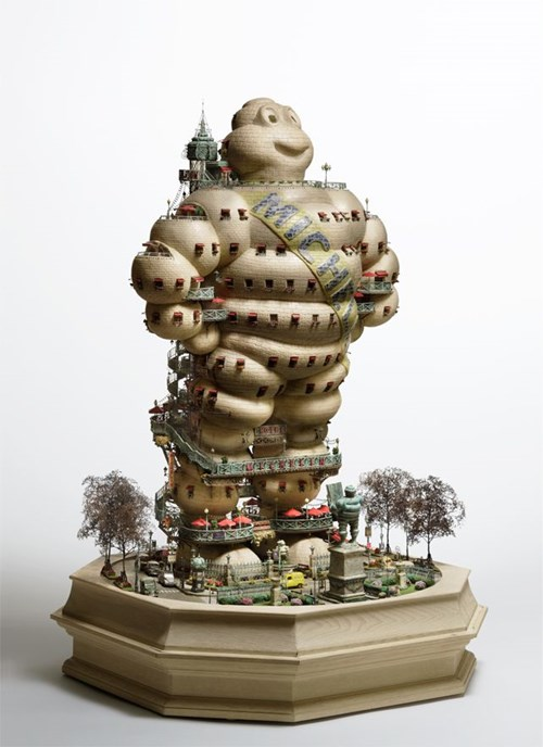 Dân chơi bonsai nói riêng và giới ái mộ nghệ thuật nói chung rất hứng thú với những tác phẩm bonsai của ông Ariba.