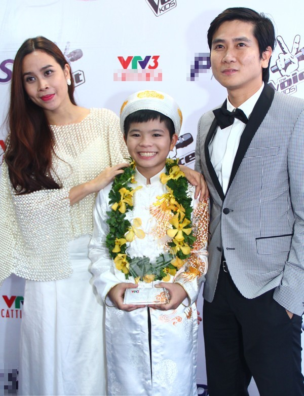 Lưu Hương Giang - Hồ Hoài Anh cùng Quán quân Giọng hát Việt nhí mùa đầu tiên Quang Anh