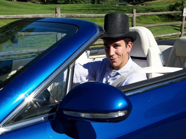 """Thử lái xe trên một chiếc """"xế hộp"""" mơ ước từ lâu"""