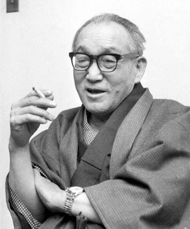 Eiji Tsuburaya - cha đẻ của rất nhiều quái vật trong phim tại Nhật Bản