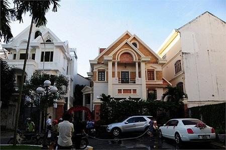 Biệt thự sang trọng gia đình Jennifer Phạm đang sống.