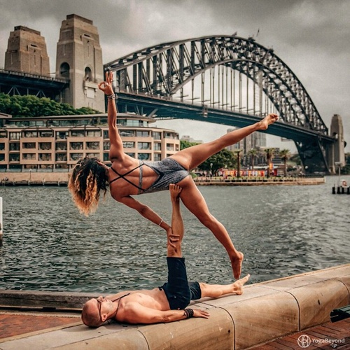 Cặp đôi tại Circular Quay, Sydney, Australia.