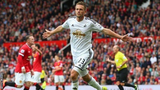 Swansea từng khiến Man Utd nếm trái đắng ở vòng 1 ngay tại sân Old Trafford