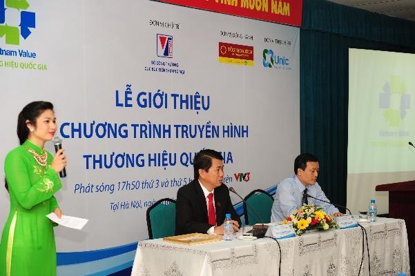 MC Minh Trang đảm nhiệm vai trò dẫn dắt tại buổi lễ