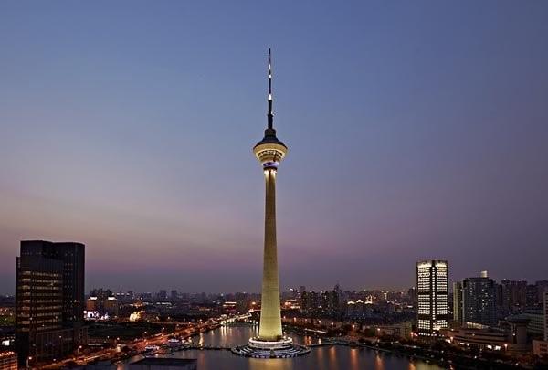 Tháp Thiên Tân, Trung Quốc cao 415,2m, khánh thành năm 1991 - Ảnh: urdu-mag.com.