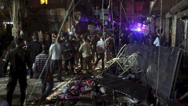 Các tòa nhà xung quanh khu vực xảy ra vụ nổ chịu thiệt hại nặng nề