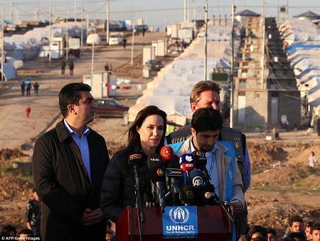 Angelina Jolie đã đưa ra một bài phát biểu với tư cách đặc phái viên của Cao ủy Liên Hợp Quốc về người tị nạn.