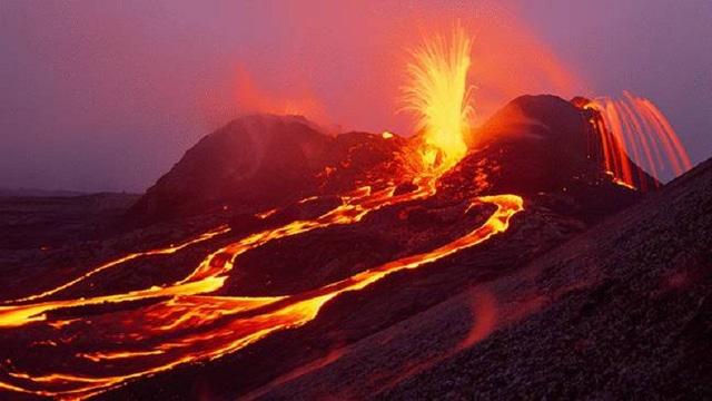 Đồng thời, Vườn quốc gia núi lửa Hawaii cũng được UNESCO công nhận là di sản thế giới vào năm 1987. Ảnh: birmingham.