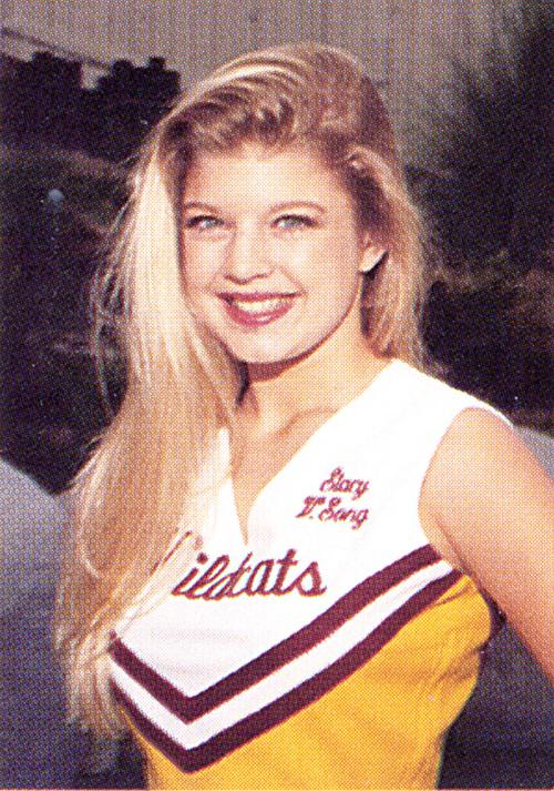 Cô nàng Fergie cá tính từng là nữ sinh quyến rũ và ngây thơ.