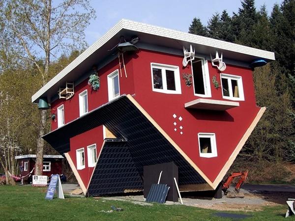"""""""Ngôi nhà lớn của Edersee"""" thật sự rất độc đáo."""