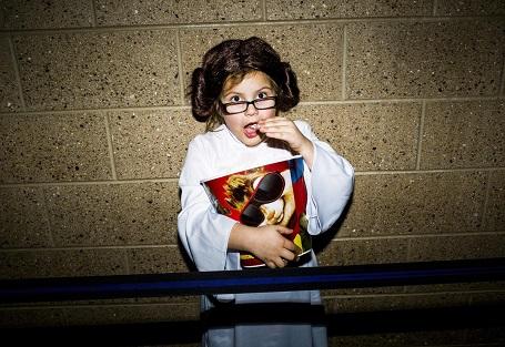 Cô bé người Mỹ Julianna 7 tuổi hóa trang thành công chúa Leia.