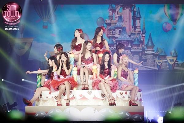 Nhóm SNSD trong tour diễn SMTown