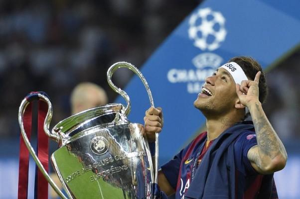 Neymar đóng công lớn cho cú ăn 3 của Barcelona