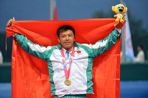 Hoàng Nam với tấm HCV tại Đại hội thể thao trẻ châu Á 2013