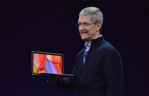 CEO Tim Cook và chiếc MacBook 12 inch