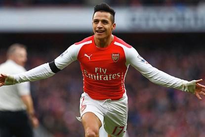 Alexis Sanchez lập cú đúp trong thắng lợi 3-0 của Arsenal trước Stoke City.