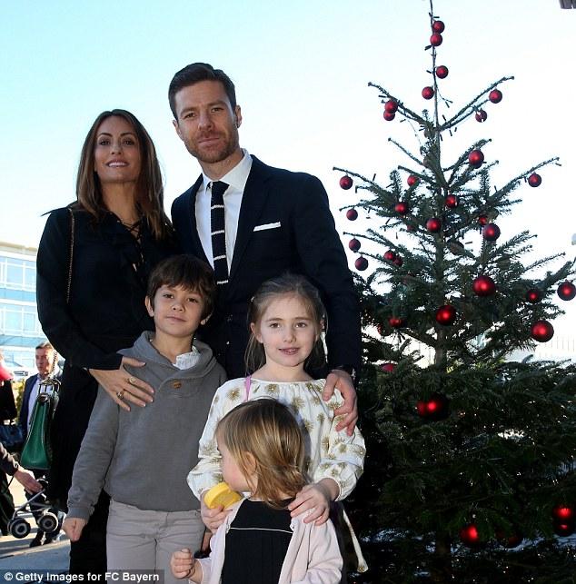 Gia đình nhỏ của Xabi Alonso