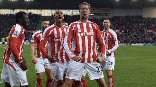 Stoke City luôn biết cách gây khó cho các đội bóng lớn