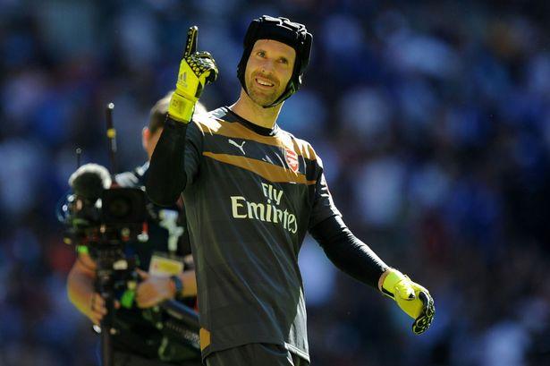 Petr Cech là bản hợp đồng giá trị nhất của Arsenal ở mùa Hè này