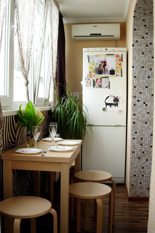 Thiết kế ban công thành góc bếp nhỏ xinh trong nhà.