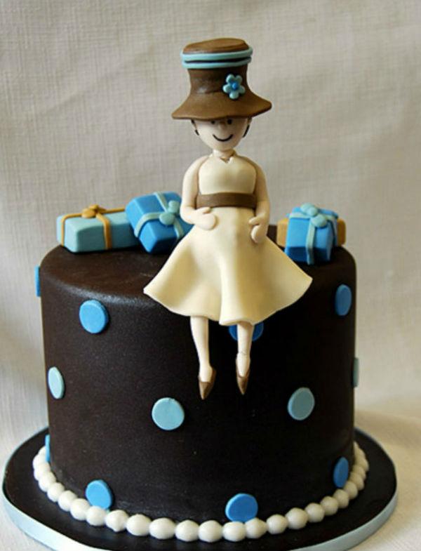 Một chiếc bánh đáng yêu với hình ảnh người phụ nữ.