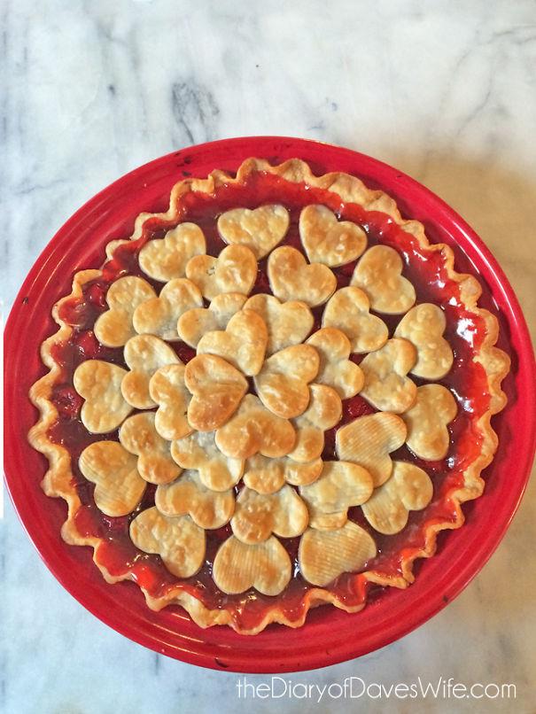 Chiếc bánh ngọt ngào mang hương vị tình yêu.