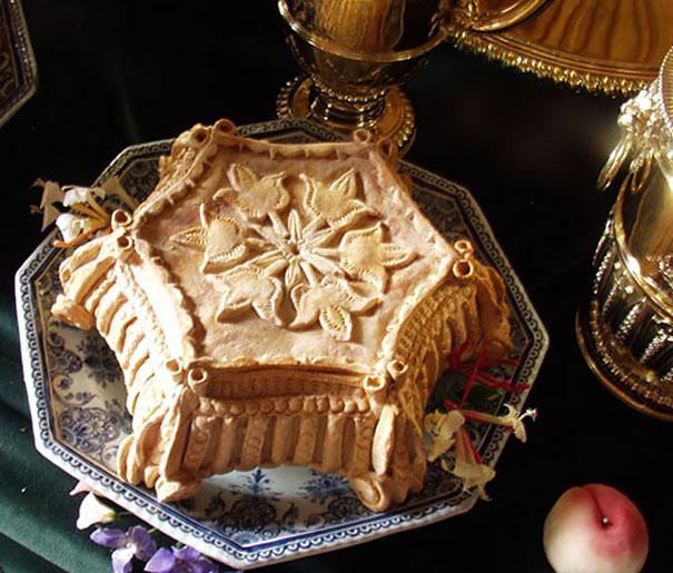 Chiếc bánh mang đậm chất cổ điển, quý phái.