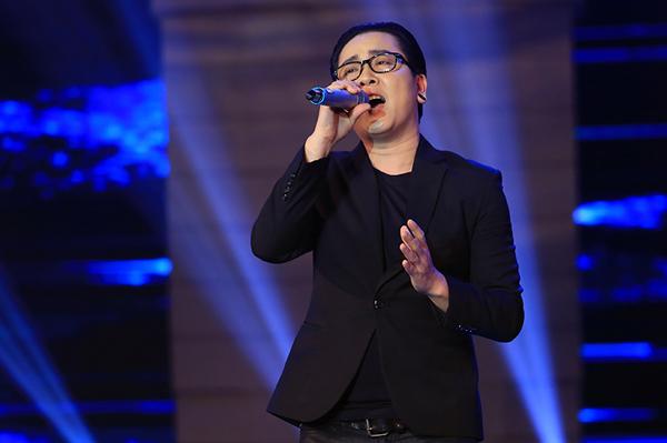 Trong khi đó, bản phối nhạc điện tử ca khúc Bài ca bên cánh võng của Thái Châu lại gây ra ý kiến trái chiều cho các thành viên của 2 bên Hội đồng bình luận.