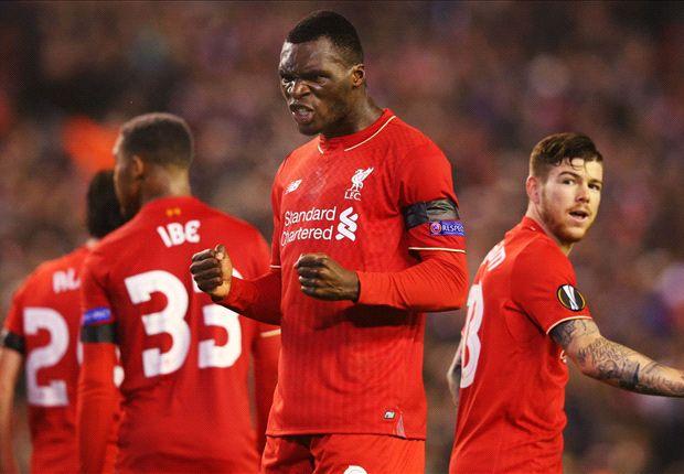 Benteke là người hùng của Liverpool khi in dấu giày trong cả 2 bàn thắng.