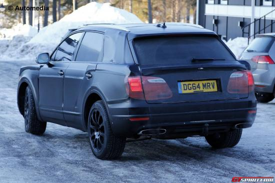 Có thể Bentley Bentayga sẽ xuất hiện với các lựa chọn động cơ V8 và W12