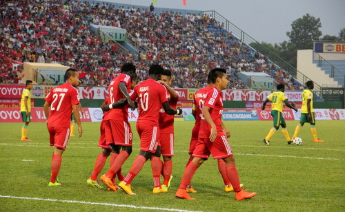 Bình Dương khẳng định sức mạnh với chiến thắng 6-1 trước Đồng Tháp
