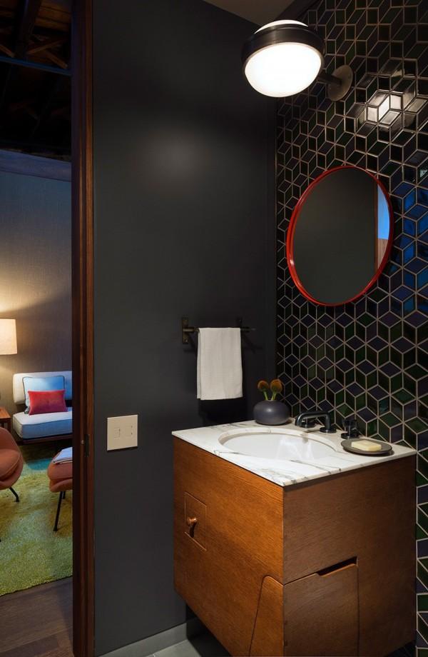 Phòng tắm được bài trí theo phong cách hiện đại, thanh lịch
