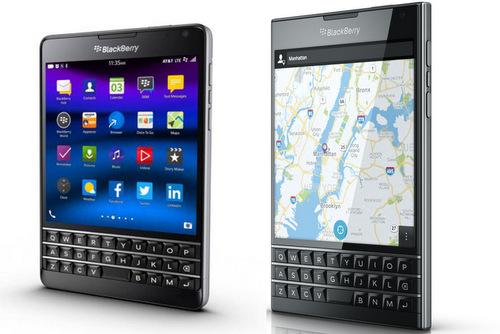 BlackBerry Passport phiên bản AT&T được cho là dễ cầm trên tay và giữ trong túi quần hơn so với phiên bản quốc tế