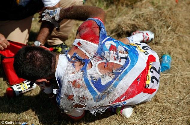 Tay đua Bonnet của nước chủ nhà có vẻ là người gặp chấn thương nặng nhất.