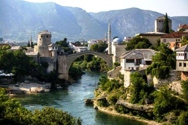 Công trình biểu tượng Stari Most (Old Bridge) tại thành phố Mostar ở Bosnia và Herzegovina. (Ảnh: Getty Images)