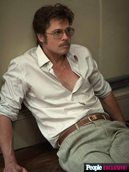 Trong By the Sea, Brad Pitt vào vai tiểu thuyết gia Roland.
