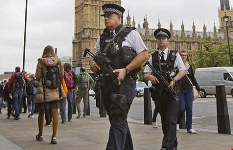 Cảnh sát Áo đã nâng mức cảnh báo an ninh tại thủ đô Vienna và nhiều thành phố khác. (Ảnh: AP)