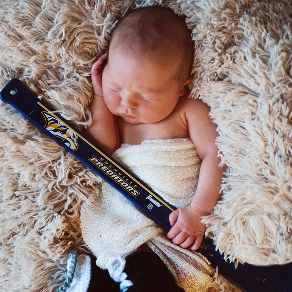 Ảnh chụp con trai được Carrie đăng tải trên trang Instagram.
