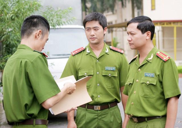 Bảo Anh (giữa) trong phim Cảnh sát hình sự - Câu hỏi số 5.