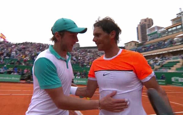 Rafael Nadal vùi dập đối thủ một cách không thương tiếc