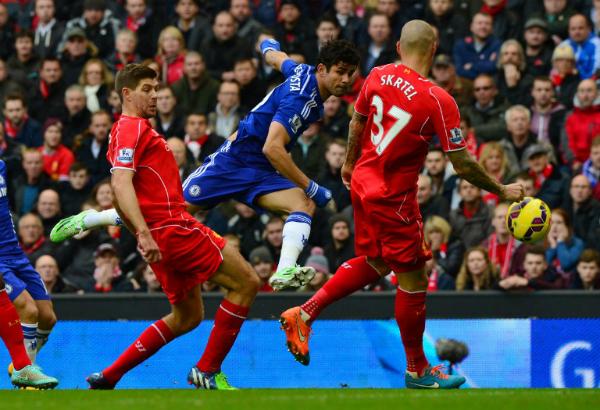 Costa từng có dịp đụng độ với gã đồ tể Skrtel.