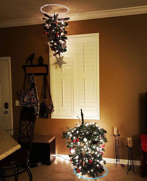 Biến đèn treo ở trần nhà thành cây thông Noel độc đáo
