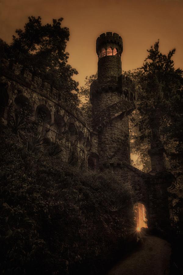 Vào ban đêm, Reigaleira trông vô cùng huyền bí.