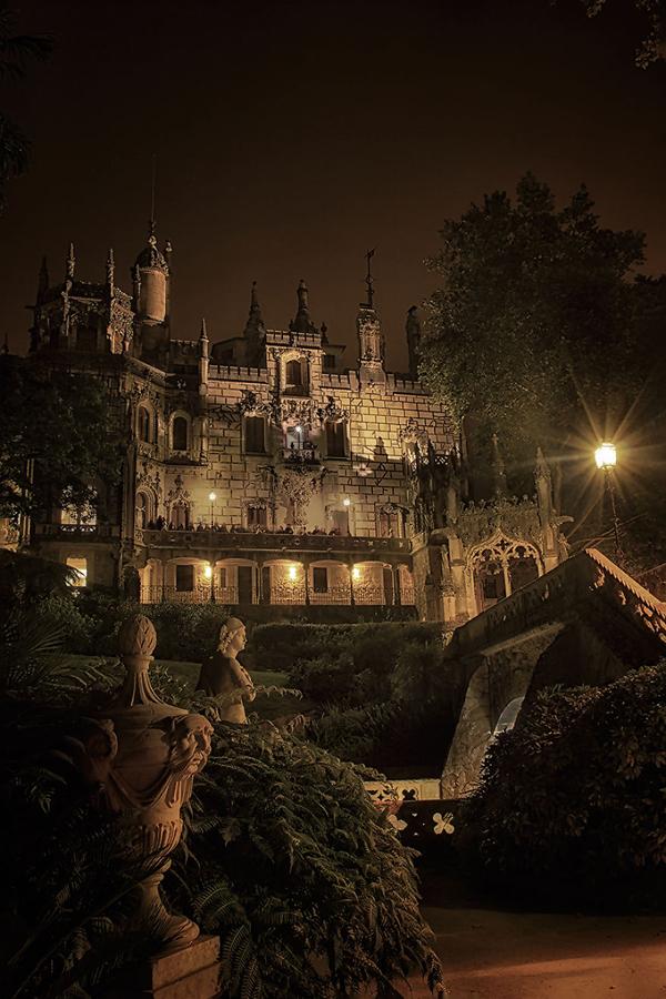 Vẻ đẹp khác biệt của nơi này vào ban đêm.