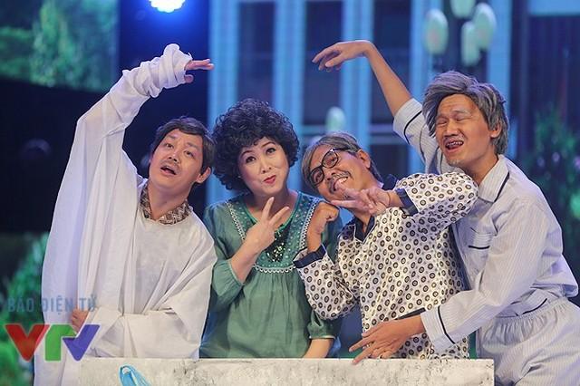 Tiểu phẩm Tau yêu mi với phần diễn xuất của NSND Hồng Vân, diễn viên Đức Thịnh, Xuân Nghị và Minh Dũng.